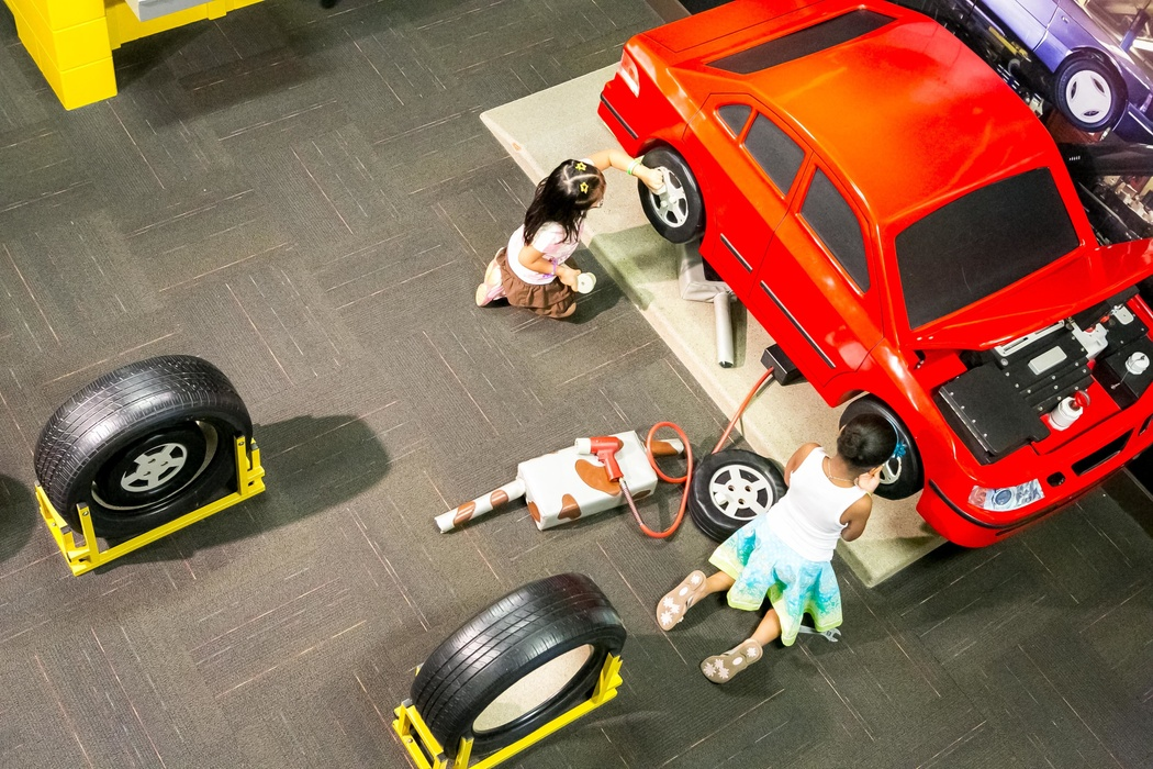 Exhibitions I Can Work Tire Change Group