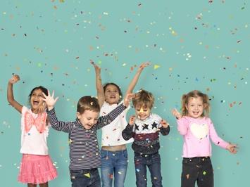 Celebrating Kids 800X600