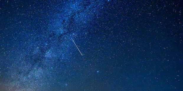 Geminid Meteor Shower 800X600