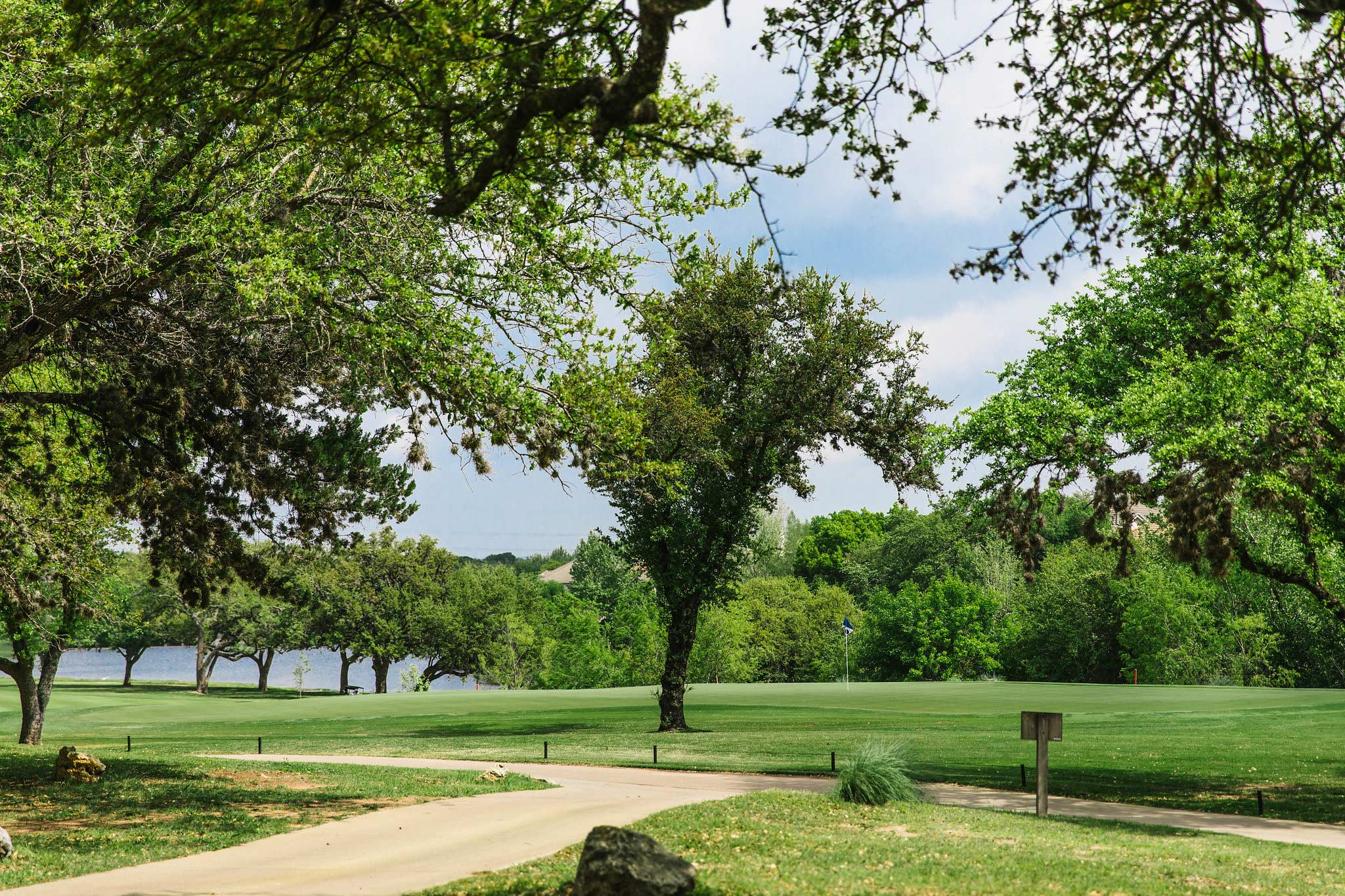 lakeway real estate golf course