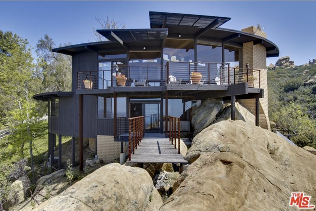 Joshua Tree Style Home For Sale In The Hills Of Malibu