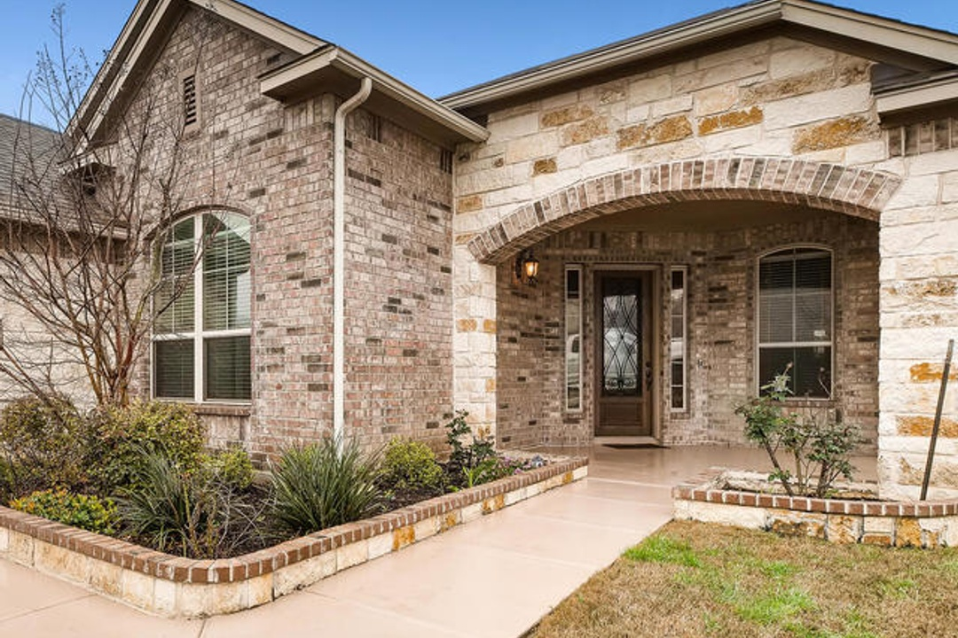 5431 Tulip Rose- Home For Sale in Summit at Alamo Ranch