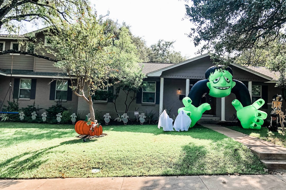 #2020isScary - A Front Yard Halloween CONTEST