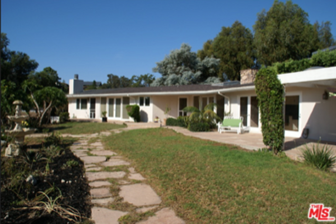 Point Dume Ranch House Is a Sure Bet to Sell Fast!