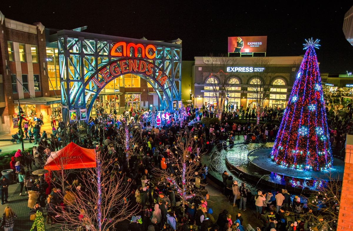 eb7215ad11b7 Legends Outlets will host 14th Annual Legendary Tree Lighting Ceremony on  Saturday
