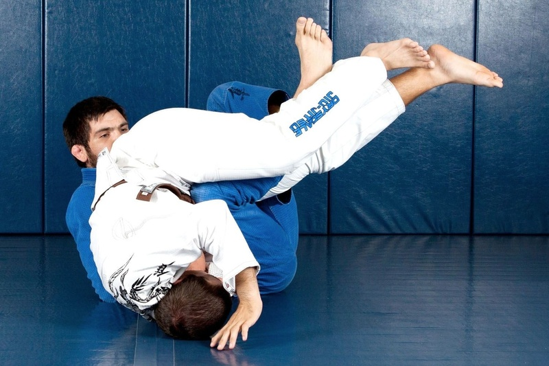 Brazilian Jiu-Jitsu lesson: Robert Drysdale teaches how to take the back starting from deep half-guard