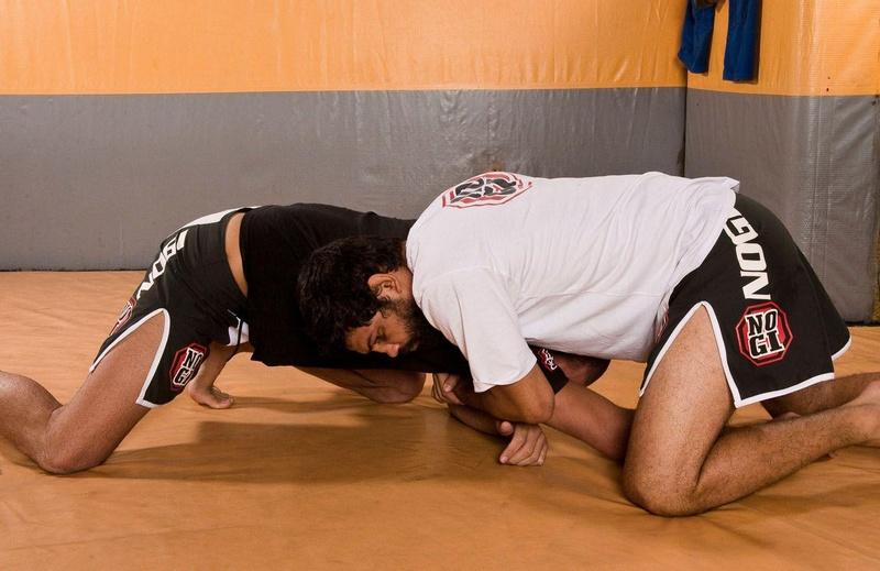"BJJ techniques: Tony ""Mendigo"" de Souza and his Peruvian necktie"