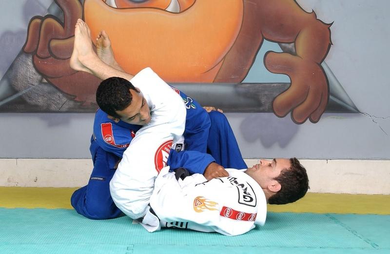 Brazilian Jiu-Jitsu lesson: Marcio Feitosa teaches the classic armbar