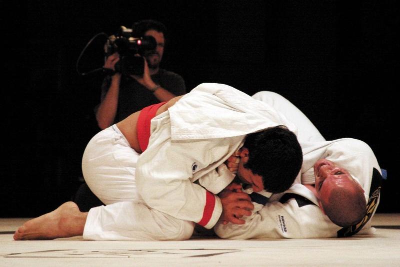 Rafael Lovato finalizou Rolles Gracie para chegar a final. Ele ficou com o título acima de 99kg