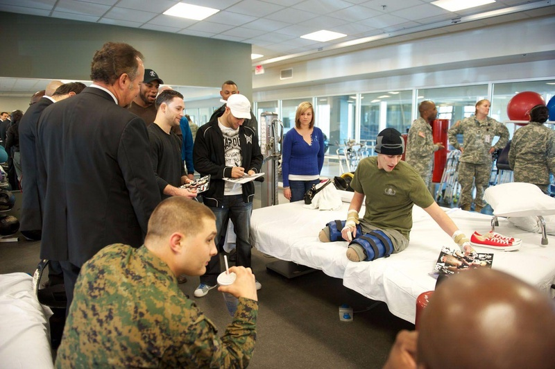 Memorial day: Frankie Edgar, Eddie Alvarez and Gregor Gracie were visit the Walter Reed hospital, in Washington DC