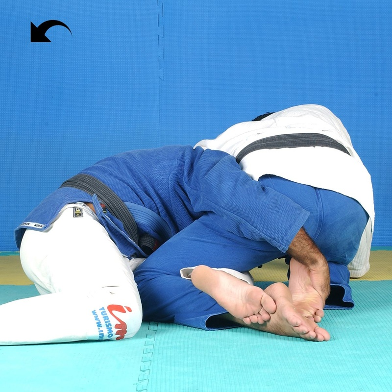Half-guard sweep featuring Roberto Gordo