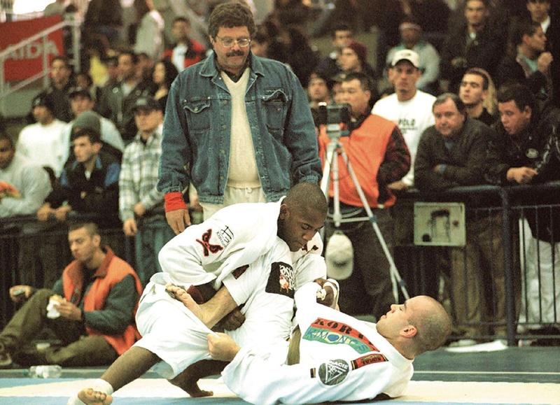 Do túnel do tempo: Margarida finaliza todas, Léozinho vence o absoluto da preta e Gabriel Vella derrota nove adversários na etapa aberta do paulista