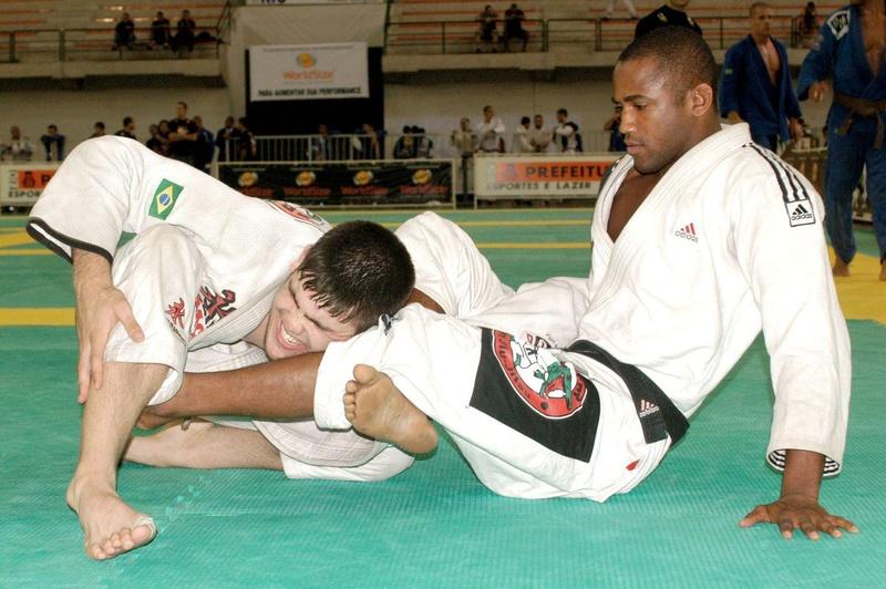 Fernando Tererê ensina uma omoplata