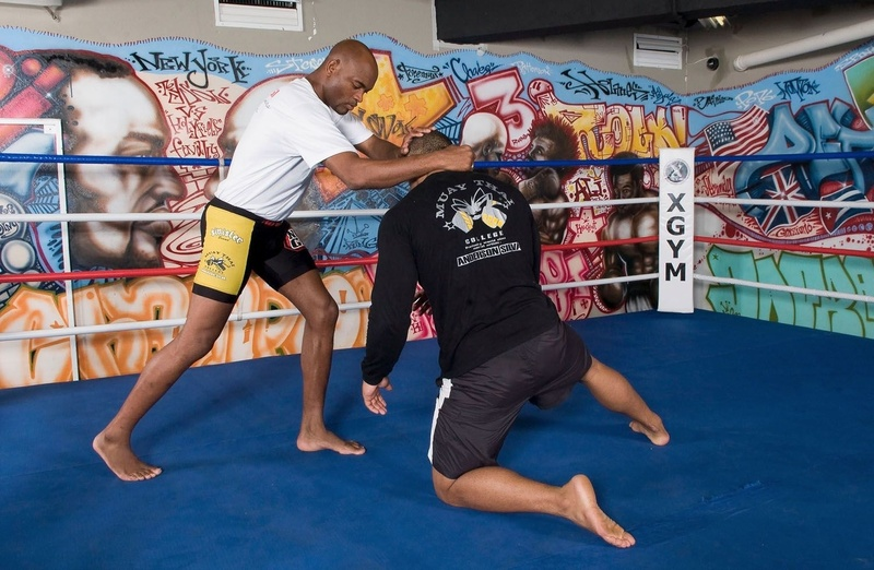 "BJJ history: In 2006, Anderson ""The Spider"" Silva showed to readers of GRACIEMAG how to use knee strikes"