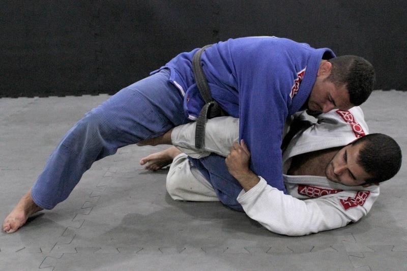 Daniel Moraes ensina uma clássica passagem de guarda