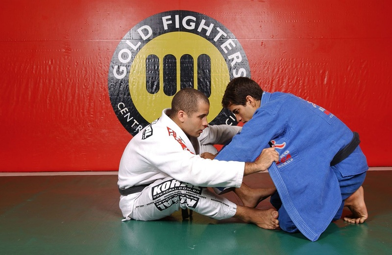 Leo Vieira teaches how to takes the back