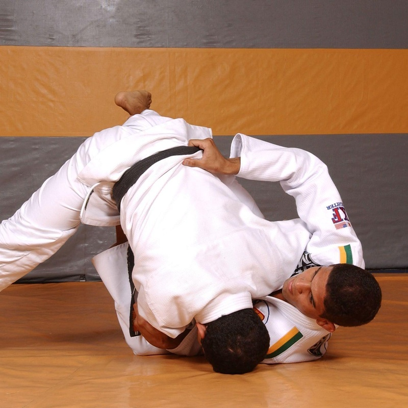 Brazilian Jiu-Jitsu butterfly sweep with Leonardo Santos