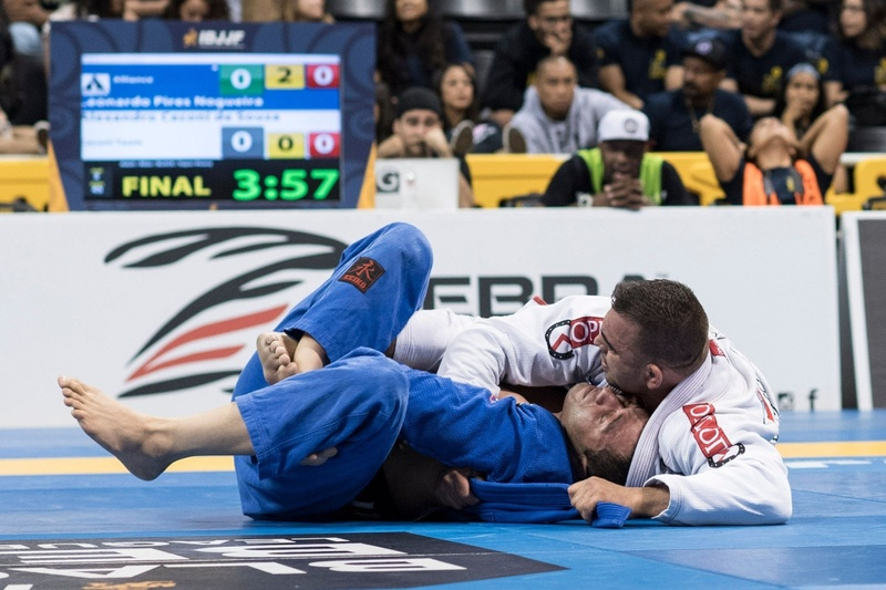 Leonardo Nogueira and Alexandro Ceconi will face each other in the first match of the IBJJF Pro League GP 2016. It will be a rematch of the BJJ Worlds 2016 super heavyweight final.