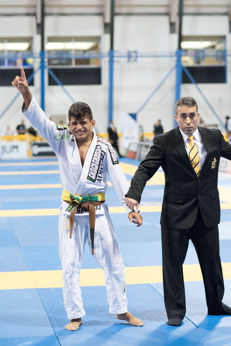 2016 BJJ Worlds: Take a look into Cleber Fernandes performance to achieve the brown belt light-featherweight the medal