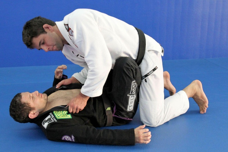 Marcus Buchecha teaches how to pass guard and get the mount position