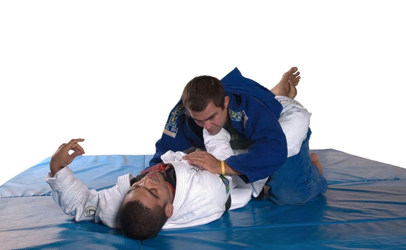 BJJ techniques: Paulo Filho teaches a lapel choke in the closed guard