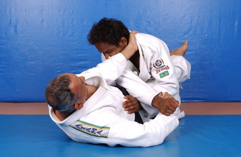 BJJ technique: Osvaldo Alves and his armbar from closed guard.
