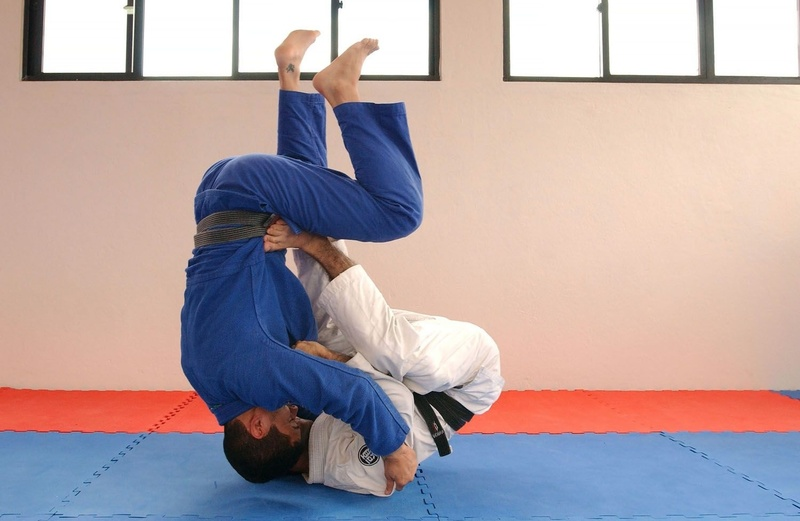 BJJ techniques: Omar Salum teaches how to sweep with hooks