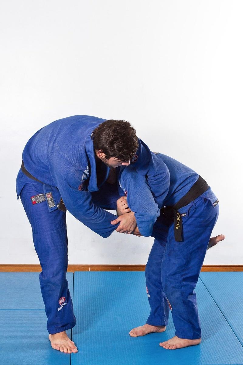 Brazilian Jiu-Jitsu lesson: João Gabriel Rocha teaches how to defend the single leg with the kimura attack