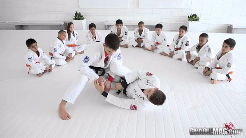 Brazilian Jiu-Jitsu lesson: Rafael Mendes teaches a drill to defend the pass and lock the triangle