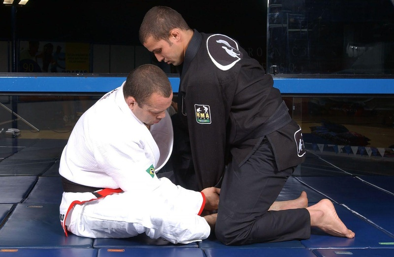 BJJ techniques: Wanderlei Silva teaches how to apply a sweep