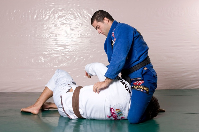 Brazilian Jiu-Jitsu lesson: double side attack