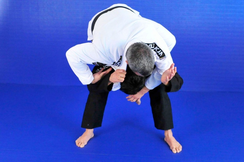 Nino Schembri teaches how to attack a leg-lock from the back