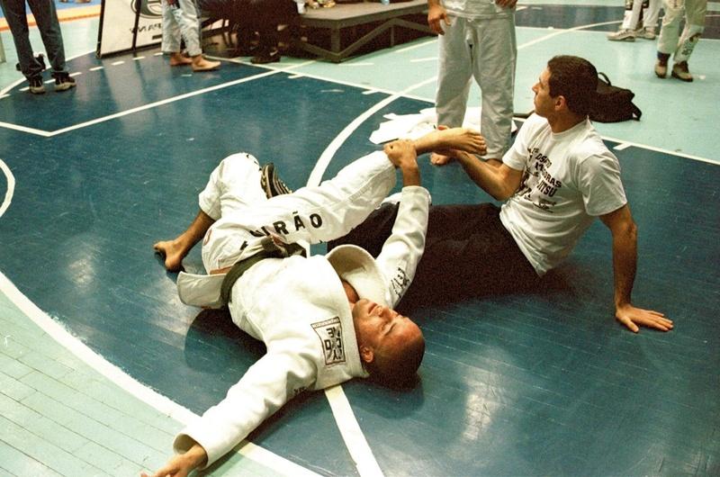 Marcio Feitosa e Carlos Gracie Jr. na área de aquecimento