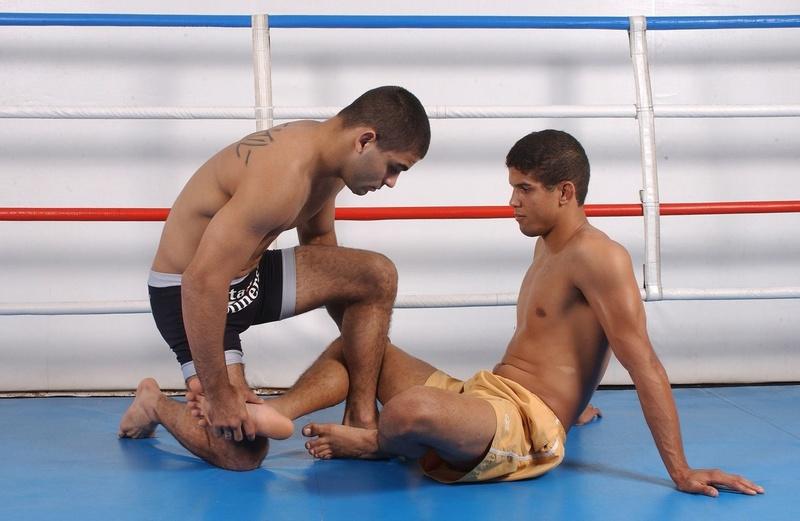 """BJJ Lessons: Vitor """"Shaolin"""" Ribeiro teaches how to apply a calf slicer"""