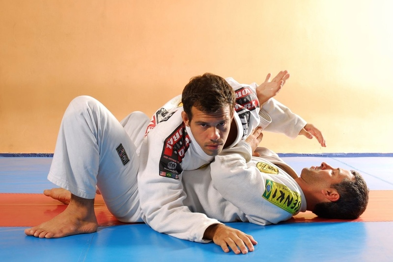 BJJ Lessons: Vini Aieta teaches how to take the back escaping from side control
