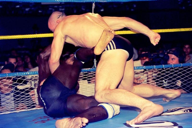 Na segunda luta do torneio, Wand passou por cima de Egídio Costa