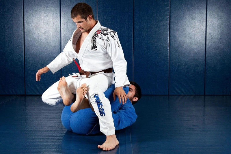 BJJ techniques: Robert Drysdale teaches how to get back with berimbolo inside the legs