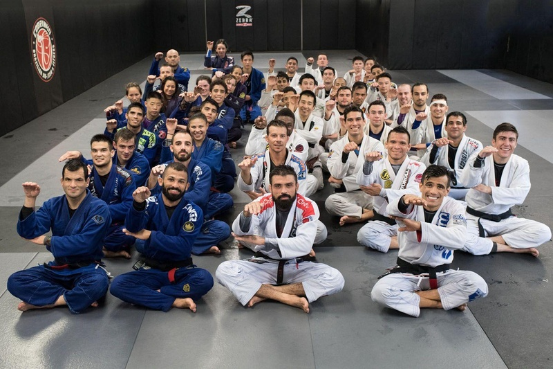 2016 BJJ Worlds: Cobrinha finds time to share knowledge before competing