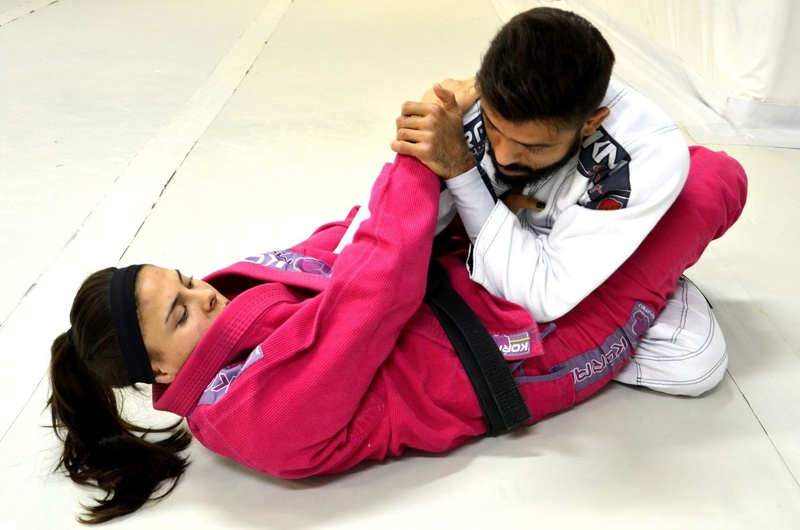 Brazilian Jiu-Jitsu lesson: Monique Elias teaches a trick to getting an armbar from closed guard