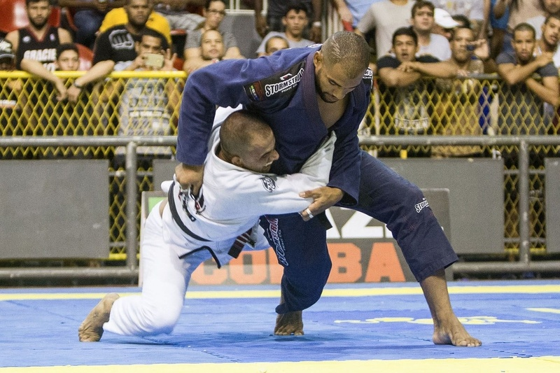 Erberth Santos defeated Victor Bonfim at semifinal