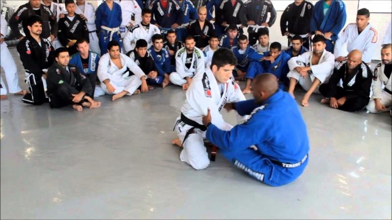Brazilian Jiu-Jitsu lesson: Fernando Tererê shows the dynamics of the open guard