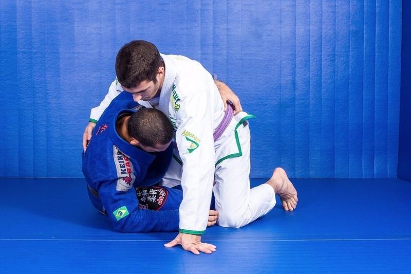 Brazilian Jiu-Jitsu: Raphael Abi-Rihan ensina uma raspagem de meia-guarda
