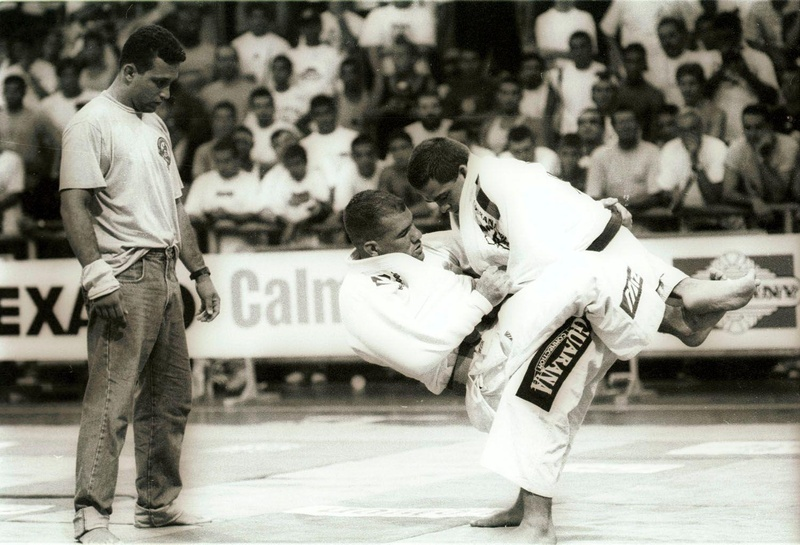 Royler Gracie in action against Amaury Bitetti at the Worlds