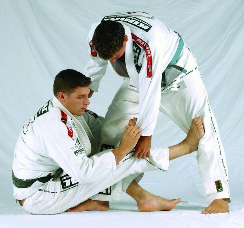 Jiu-Jitsu: Márcio Pé de Pano ensina raspagem de manga invertida