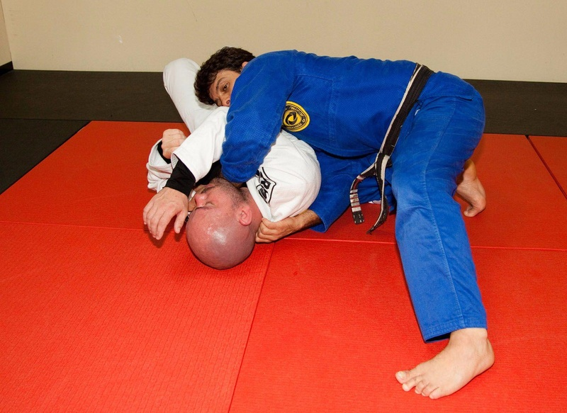 Robinho Moura teaches baseball bat choke
