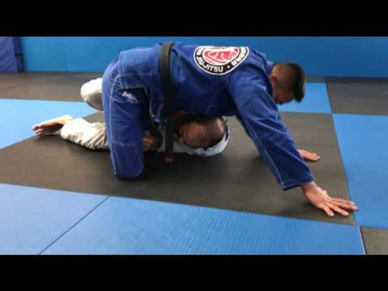 BJJ: Control your opponent's shin and sweep from half-guard