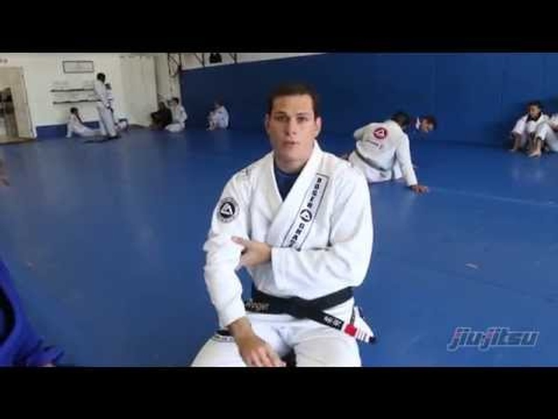 BJJ fundamentals: Basic chokes from closed guard