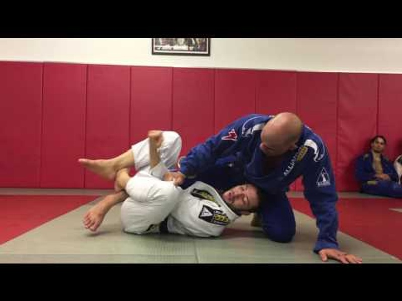 BJJ: Leonardo Nogueira's trick for sweeping on half-guard and achieving side control