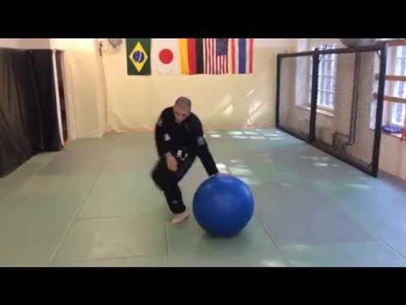 BJJ fundamentals: improve your balance for Jiu-Jitsu