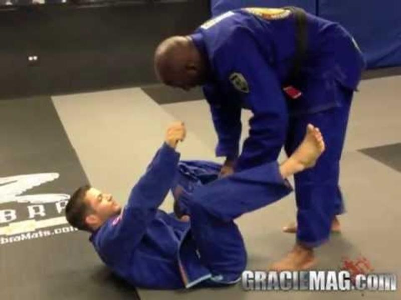 BJJ lesson: Lloyd Irvin teaches an armbar